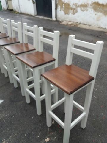 chiringuito cadiz sillas blancas