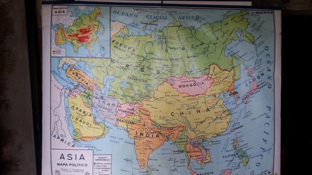 Vendo Mapa De Asia De 2 Caras