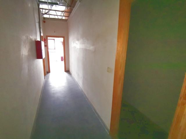 BIAR,  NAVE 1. 024 M3 230. 000 € - foto 6