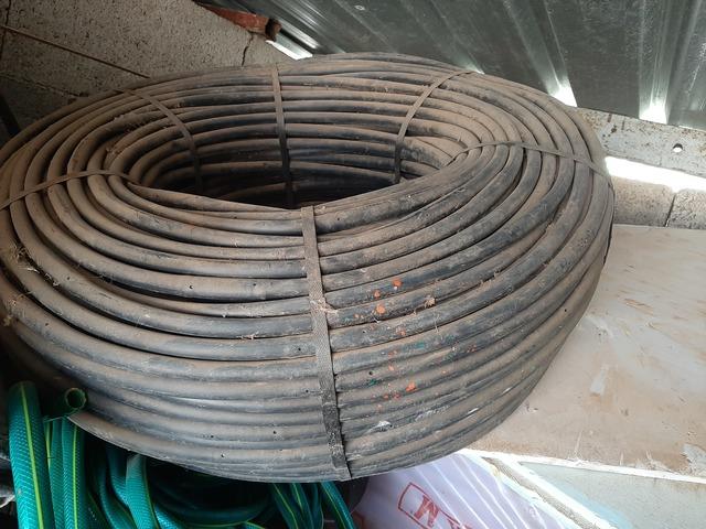 Tuberia plana con caudal 1,16 litros por hora GOTEROS CADA 20 cm CINTA GOTEO 16mm riego Galga espesor de pared 8 mil Longitud 500 mts