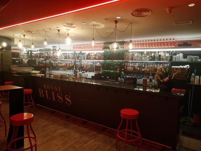 CAFÉ PUB ZONA ALHAMAR - foto 3