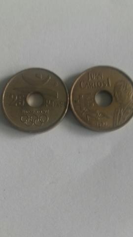Monedas 25 Pesetas Agujero