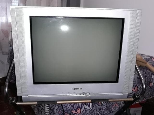 TV + TDT + MESITA - foto 1