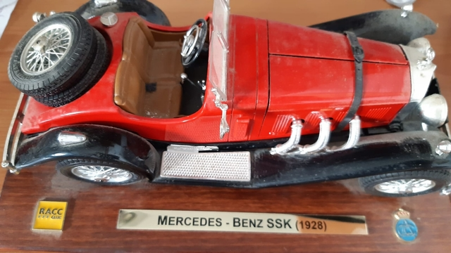 Coche Escala 1/18 Mercedes-Benz Ssk