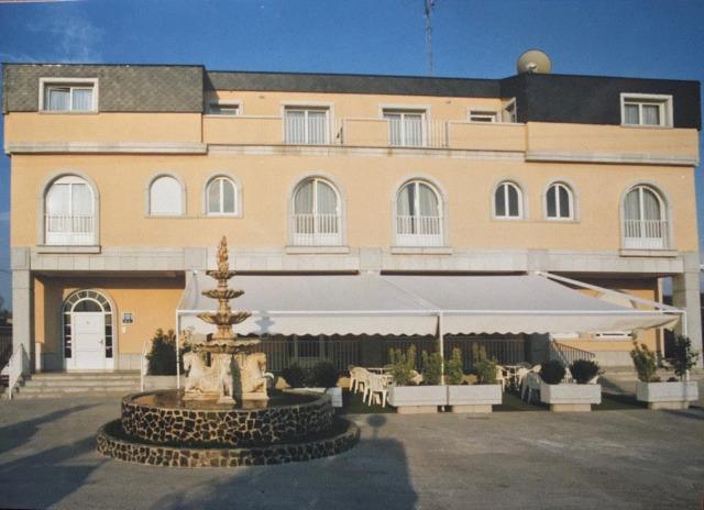 HOTEL EN SALAMANCA JUNTO AL HELMÁNTICO - foto 2