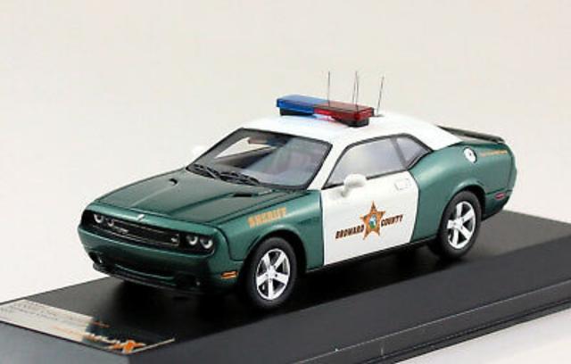 Premium Dodge Policía 1:43