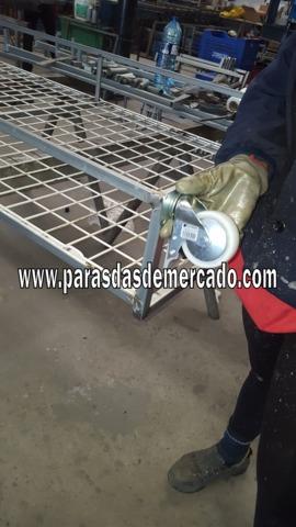 EXPOSITOR DE FUNDAS PARA MOVILES 80C - foto 3