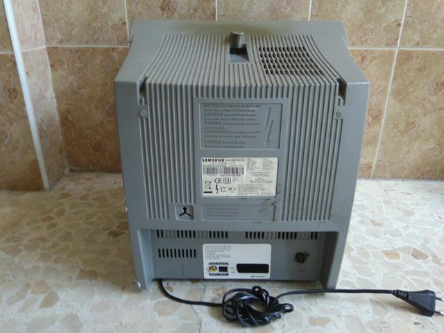 TELEVISOR 15 PULGADAS + DVD - foto 2
