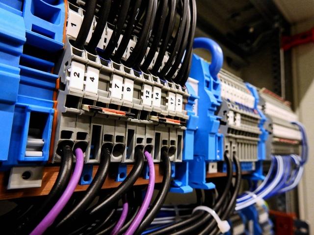 ELECTRICISTA ECONÓMICO EN BARCELONA - foto 3