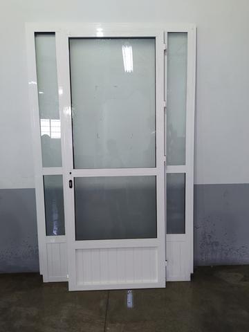 Puerta Aluminio Cristalera