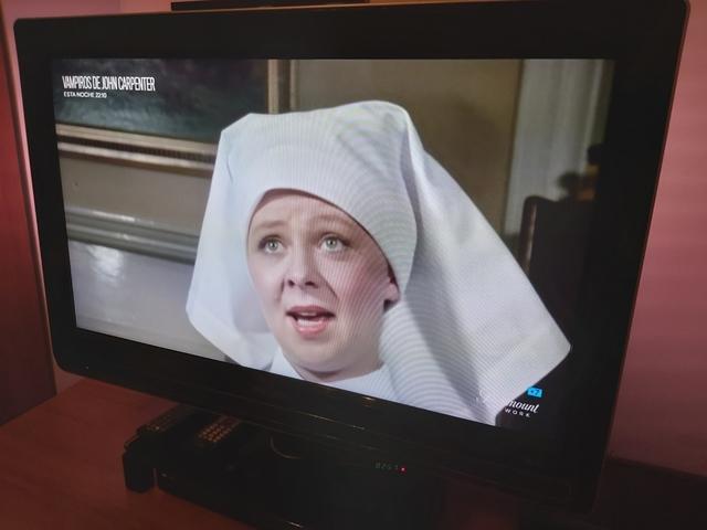 """TV TELEVISIÓN PHILIPS 32\"""" AMBILIGHT - foto 3"""
