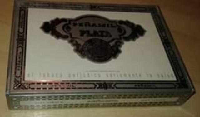 Caja De Puros + 3 Puros Peñamil (Vacia)