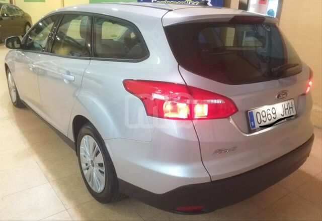 FORD - FOCUS 1. 5 TDCI 95CV TREND SPORTBREAK - foto 3