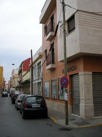 LOCAL GRANDE FRENTE MERCADO MUNICIPAL - foto 2