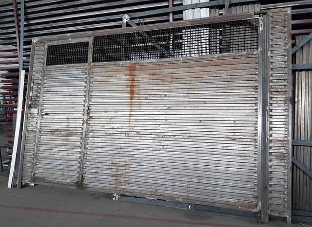Puerta Garaje Hierro 361X227 Cm Nueva