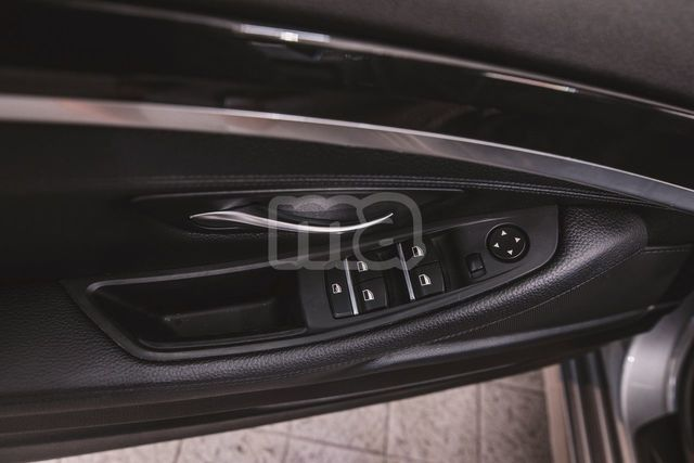 BMW - SERIE 5 520D - foto 8