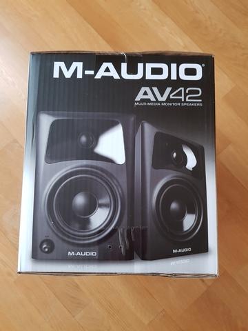 M-AUDIO AV42 ALTAVOCES ACTIVOS COMPACTOS - foto 6