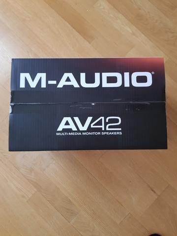 M-AUDIO AV42 ALTAVOCES ACTIVOS COMPACTOS - foto 7