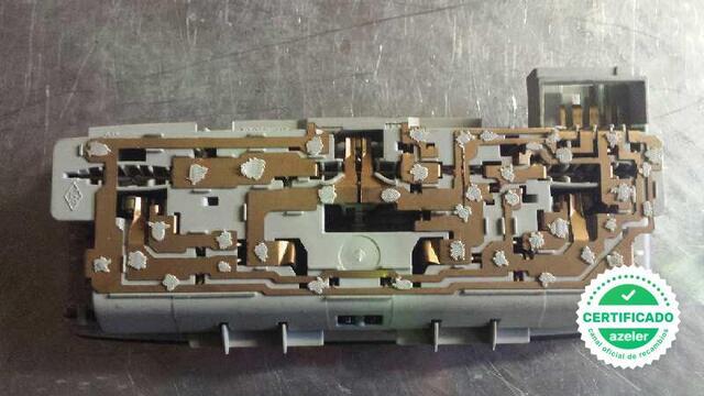 LUZ INTERIOR RENAULT LAGUNA II BG0 - foto 4