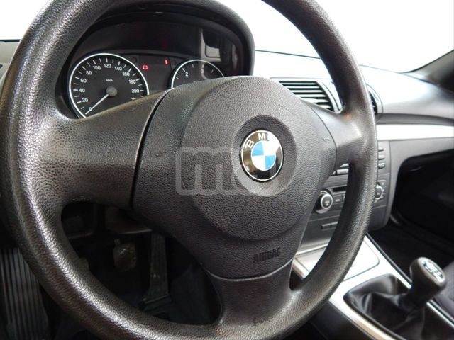 BMW - SERIE 1 118D - foto 6