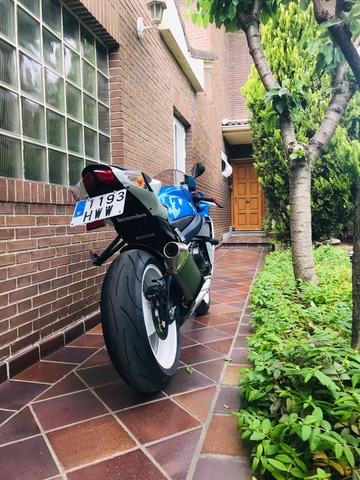 SUZUKI - GSX-R 600 - foto 5