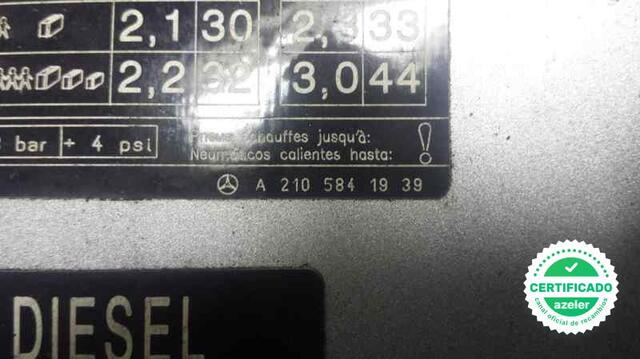 TAPA EXTERIOR COMBUSTIBLE MERCEDES CLASE - foto 2