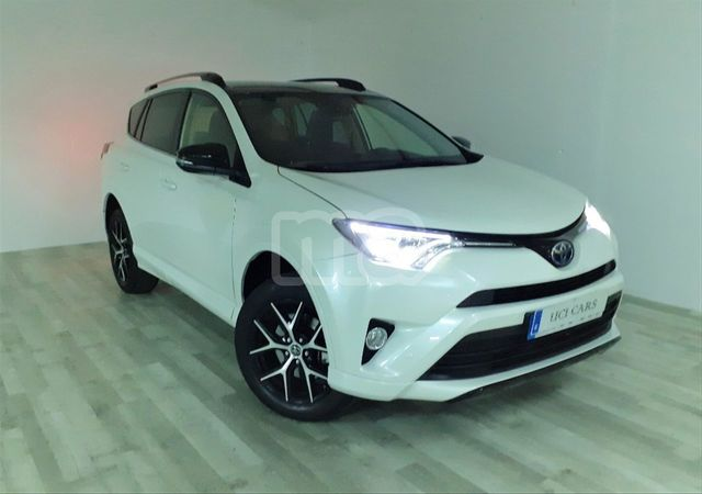 TOYOTA - RAV4 2. 0D 150D 2WD EXECUTIVE - foto 1