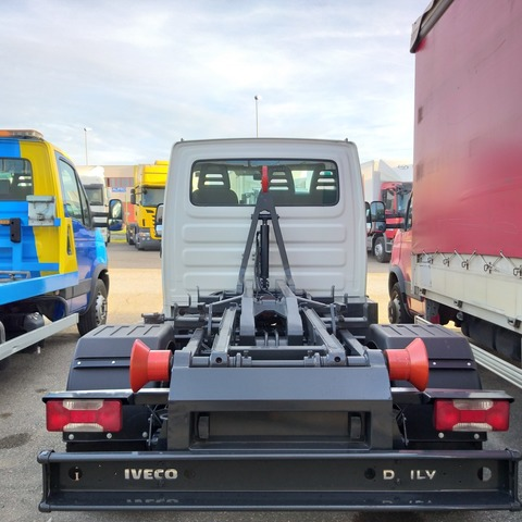 IVECO - DAILY 35C11 - foto 8