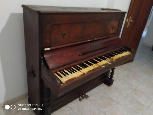 VENDO PIANO ANTIGUO - foto 1