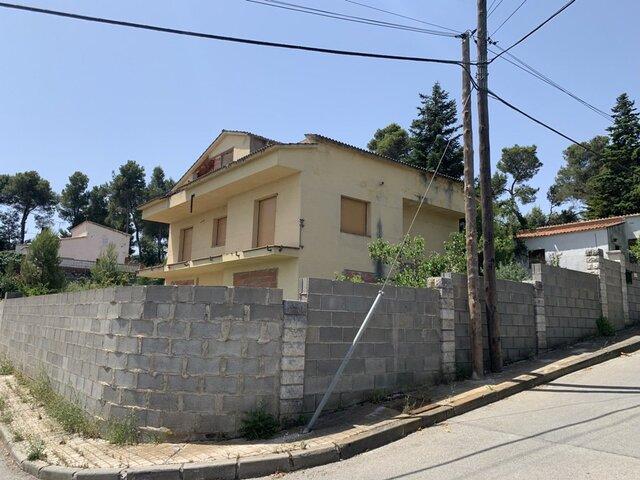 TORRE DE CLARAMUNT (LA) - foto 1