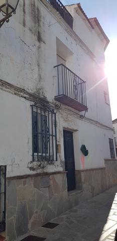 CASITA EN PLENO CENTRO DE YUNQUERA - foto 1