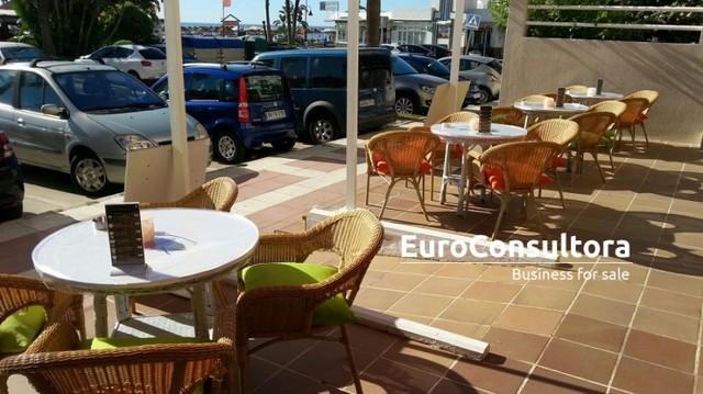 CAFETERIA SANDWICH BAR EN LA CARIHUELA - foto 1