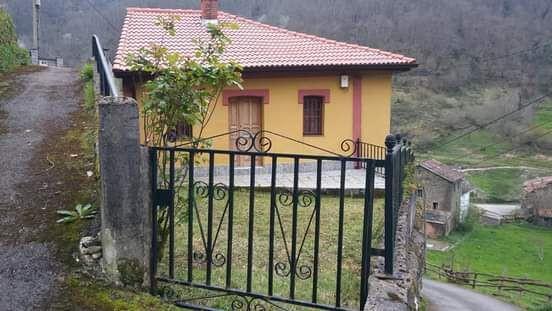 VENDO CASA Y 12. 000 M2 EN FINCAS - foto 1