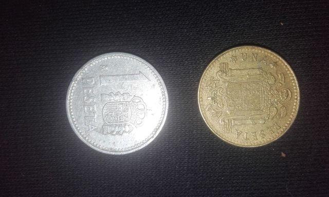 Moneda De Una Peseta De 1975 Y Otra De 1