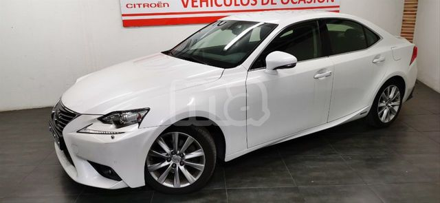 LEXUS - IS 300H HYBRID - foto 2