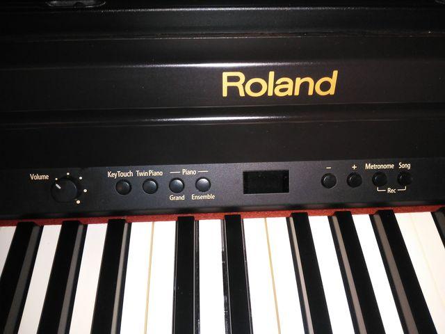 PIANO ROLAND RP301 EN PERFECTO ESTADO - foto 5