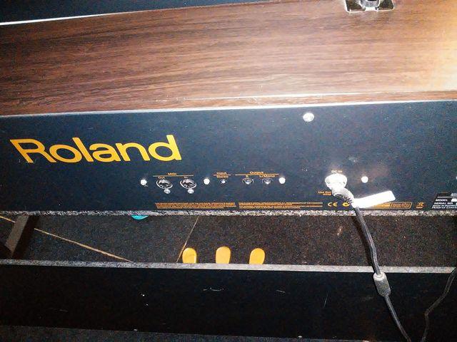 PIANO ROLAND RP301 EN PERFECTO ESTADO - foto 7