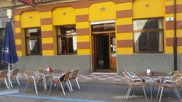 TRASPASO CAFETERÍA EN EL CENTRO - foto 1