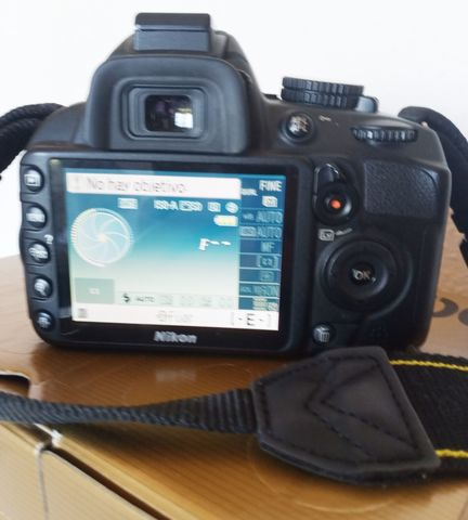 NIKON D3100 - foto 3