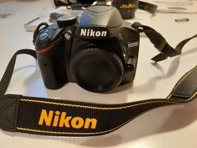 KIT DE NIKON D3200+2 OBJETIVOS+CARD 32GB - foto 5