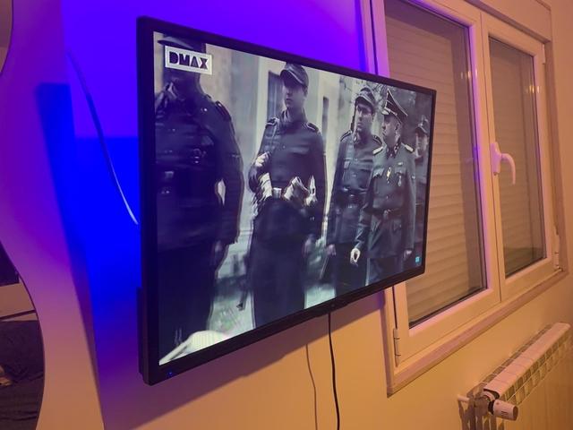 SAMSUNG TV - foto 1