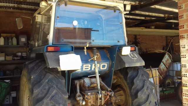 TRACTOR EBRO 6100 - Y APEROS - foto 6