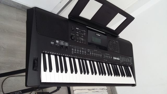 PIANO YAMAHA PSR-E463.  - foto 2