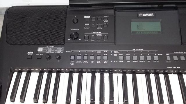 PIANO YAMAHA PSR-E463.  - foto 4