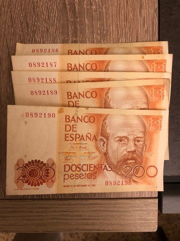 5 Billetes De 200 Pesetas Seguidas
