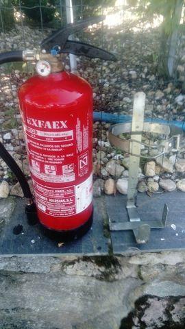 Extintor Con Soporte
