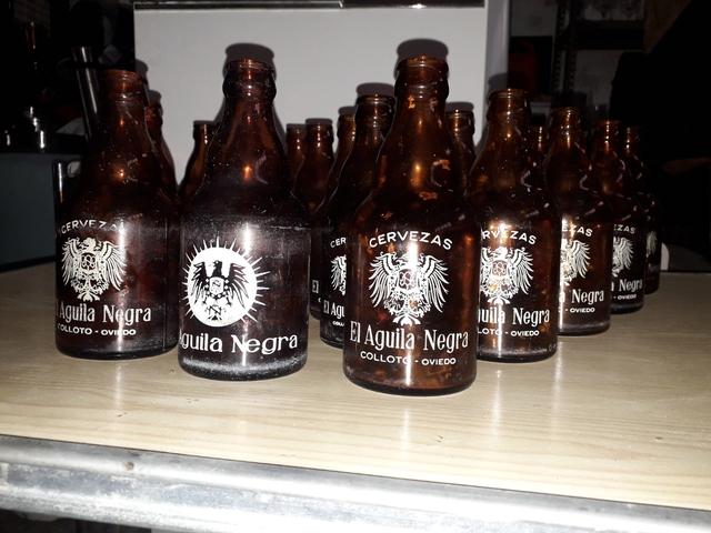 Botellas Vacías El Aguila Negra Colloto