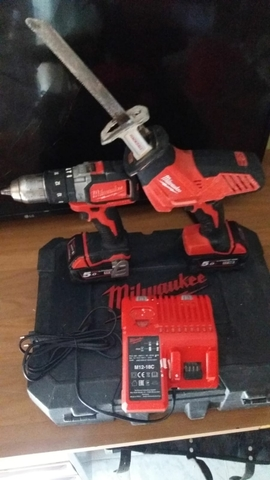Taladro E Sierra Sable Milwaukee M18