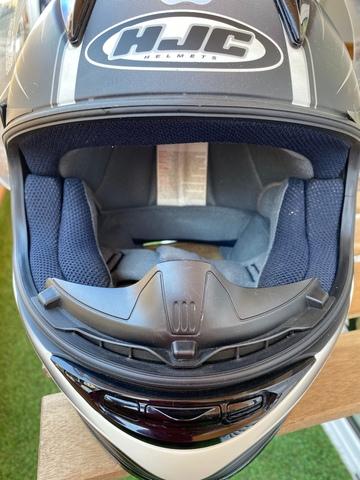 Cascos inteligentes mezclan seguridad y entretenimiento para las motos