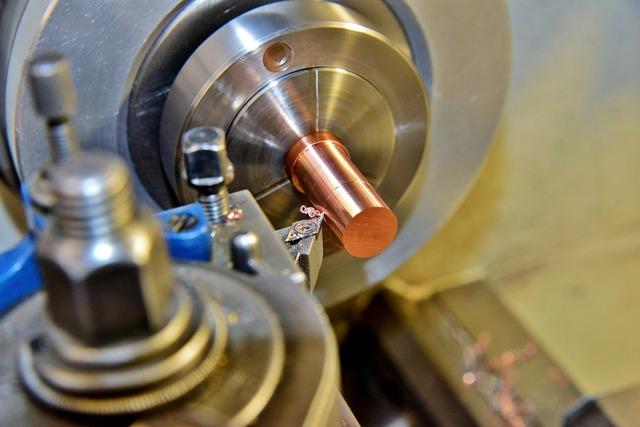 TORNERO - FRESADOR CNC / CONVENCIONAL - foto 1
